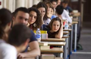 Esami di maturità all'interno della scuola Ennio Quirino Visconti in Piazza Collegio Romano oggi 22 giugno 2011 a Roma. ANSA/MASSIMO PERCOSSI