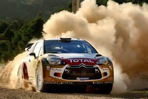 Spagna, auto piomba su spettatori durante rally