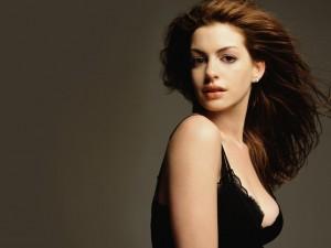 Anne Hathaway, Colazione Indietro 4 Volte