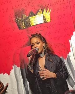 """Rihanna Presenta Cover """"Anti"""", Nuovo Disco"""