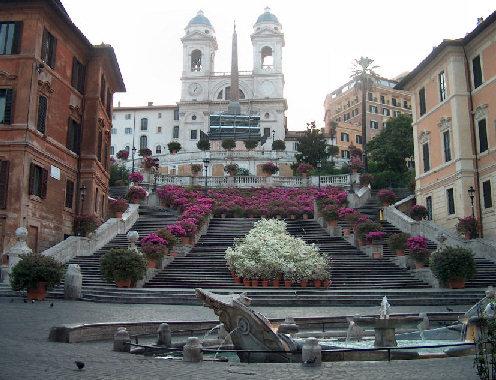 Roma, Scalinata Trinità dei Monti si Rifà Look