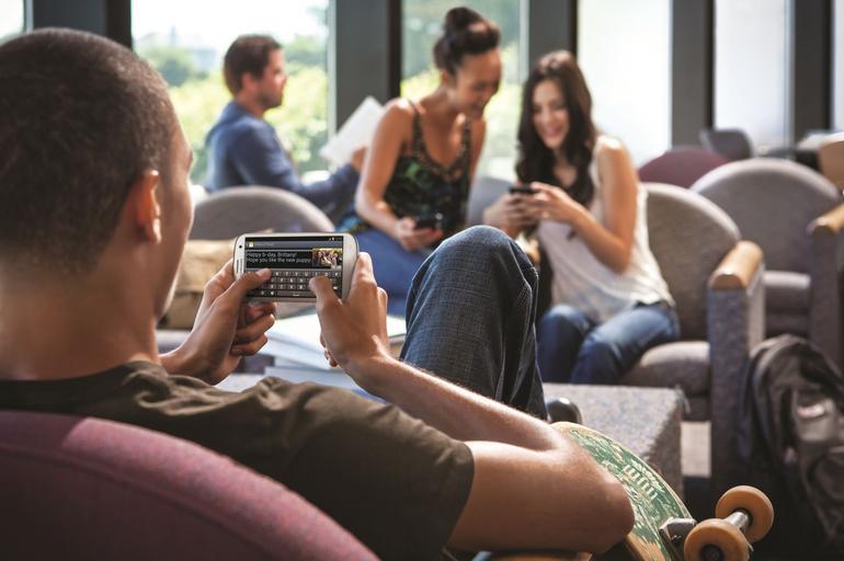 Ragazzi Gobbi per Smartphone e Tablet