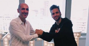 Alessio Bernabei Firma con Warner Music