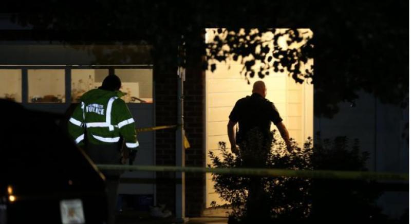 Usa, Bimbo si Uccide con Pistola Padre