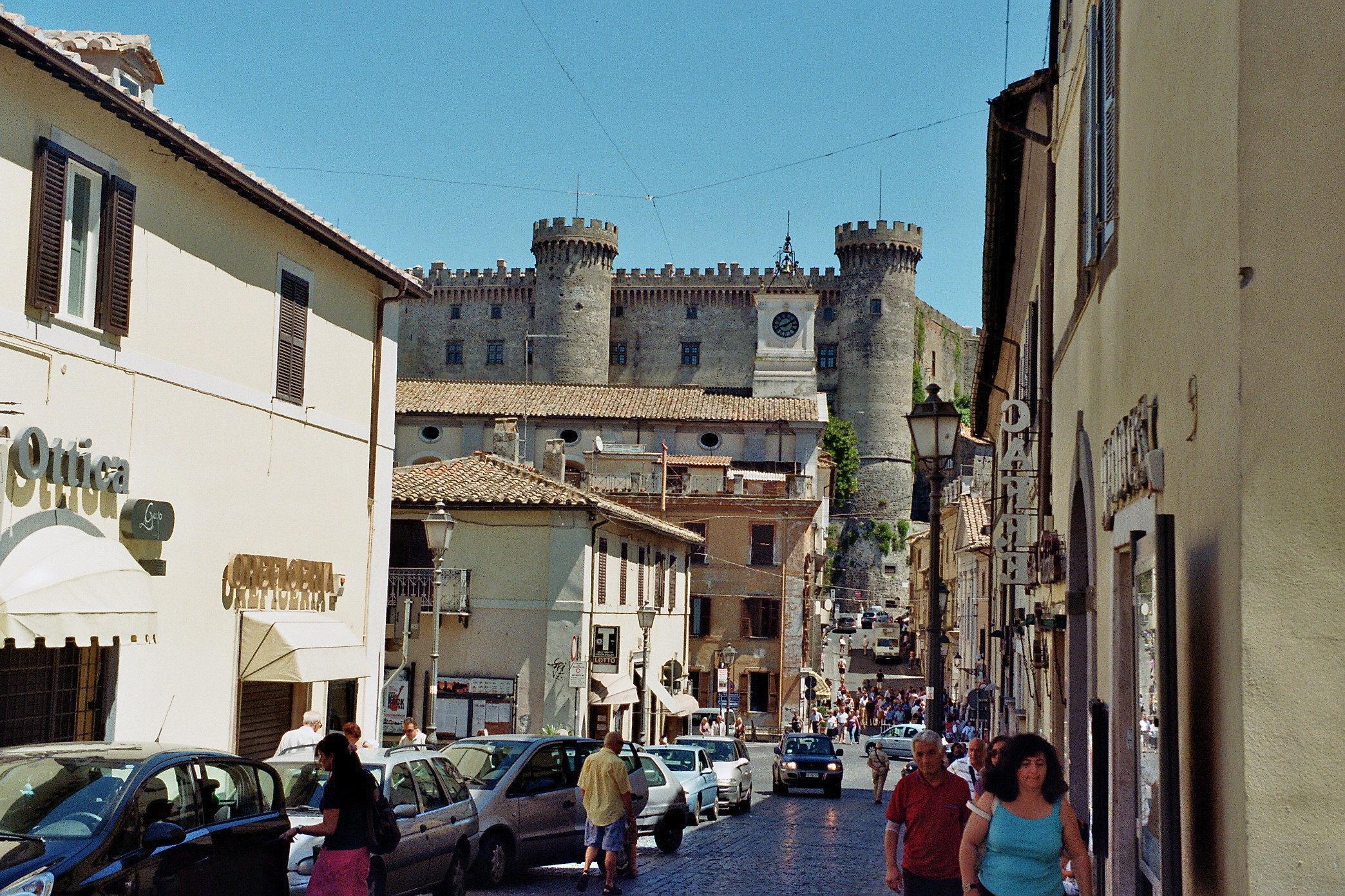 Bracciano, Carabinieri in Comune: Documenti Sequestrati