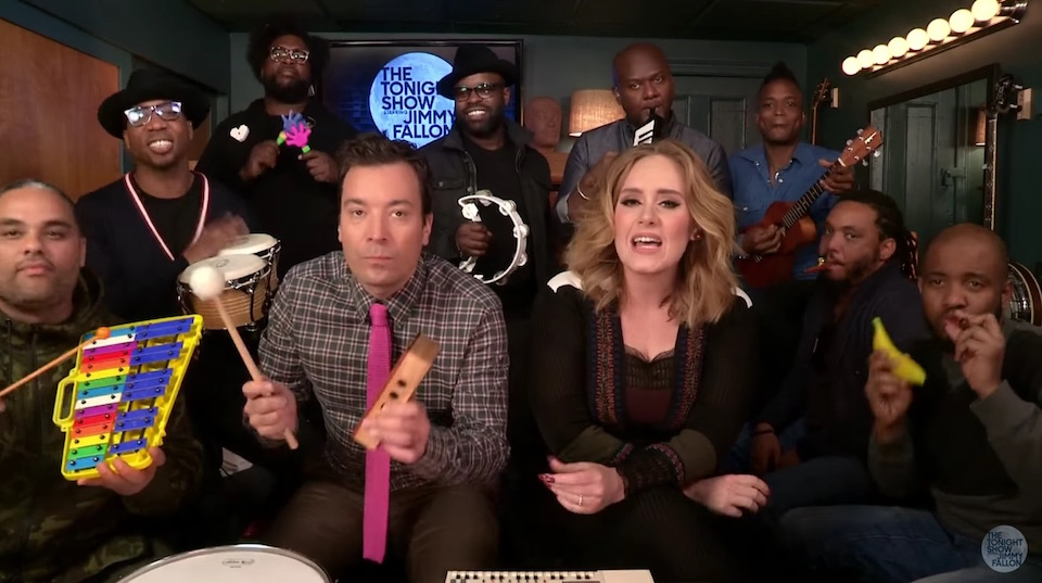 Adele Canta Hello con Roots