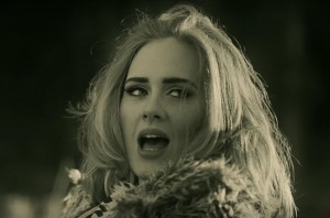 """Adele: """"Hello"""" Campione di Vendite"""