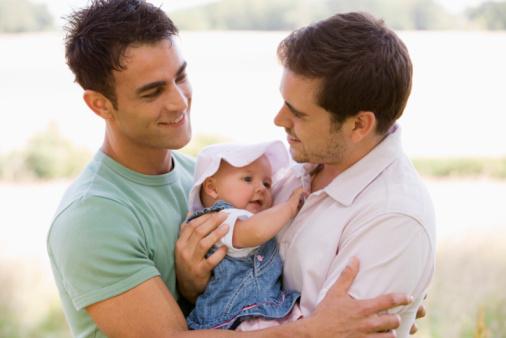Portogallo, Coppi Gay Potranno Adottare Figli