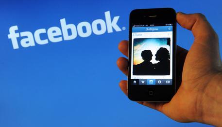 Facebook, Messaggi che si Autodistruggono: Test in Francia