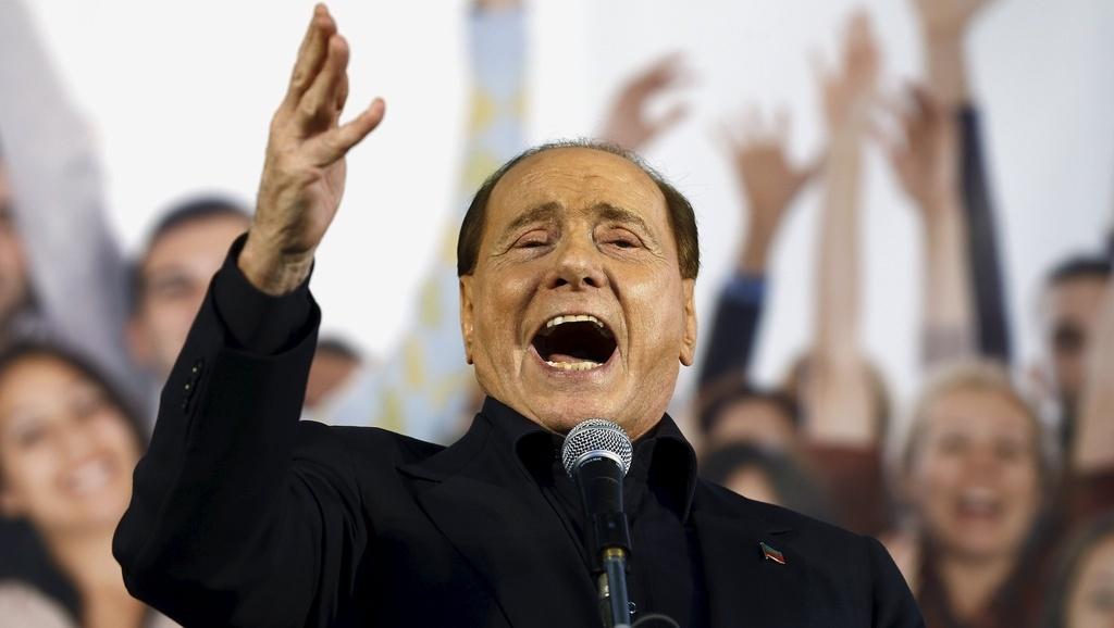 Silvio Berlusconi silura Renzi a Mogliano