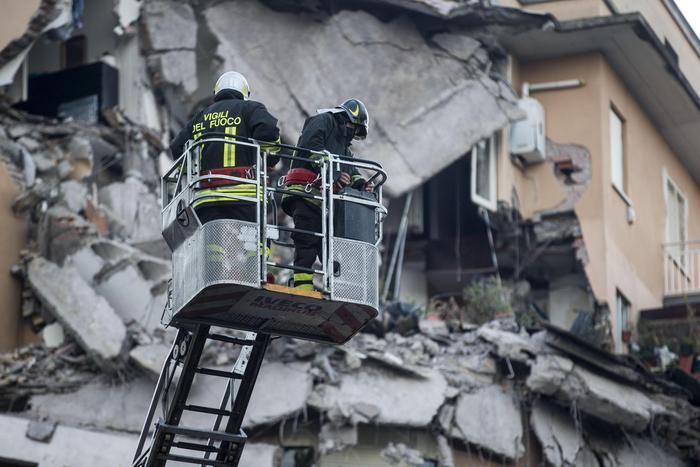 Crollo edificio Roma: Procura apre inchiesta per disastro colposo