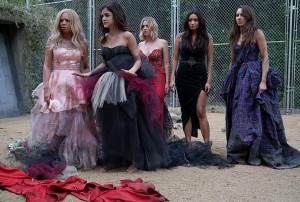 Pretty-Little-Liars-61