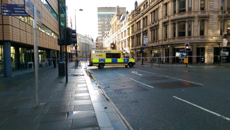 Liverpool: uomo con bomba in pieno centro