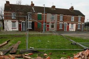 Porte rosse per case profughi: Choc in Inghilterra