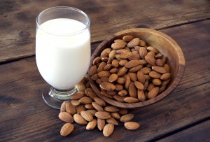 Neonato alimentato con latte di mandorla si ammala di scorbuto