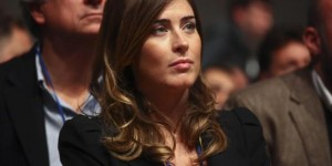 Maria Elena Boschi esorta Grillo ad occuparsi dello scandalo Quarto