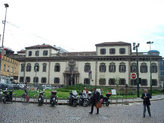 Milano, nomade minorenne evade dal Beccaria