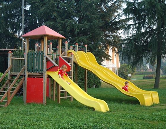 Vercelli, Figli Evasori non Possono Entrare nei Parchi Giochi