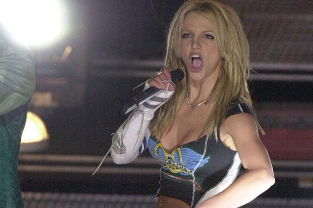 Britney Spears Cerca Ragazzo Super Dotato