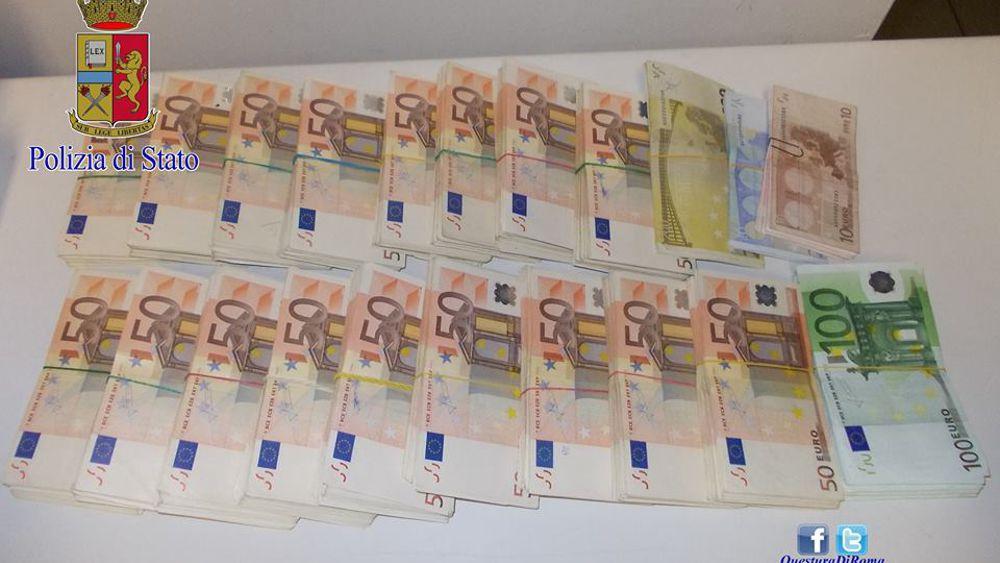 Roma, Sorelle Vivevano in Povertà ma Nascondevano 200.000 Euro in Casa