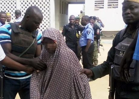 Nigeria: Vede Padre e non si Fa Esplodere
