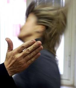 Panettiere Siciliano Umilia e Malmena Moglie: Denunciato