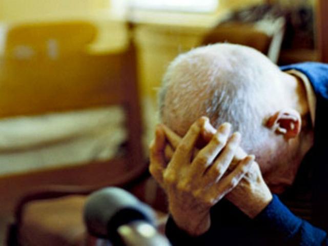 Anziano Picchiato da Badante Alticcia a Villamaina