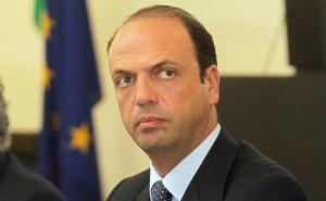 Angelino Alfano Indagato per Abuso D'ufficio