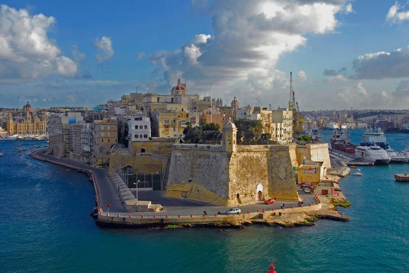 malta-island-valletta-fort-st-elmo