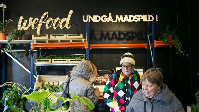 Cibi Scaduti Venduti in Supermarket WeFood: Idea Danese