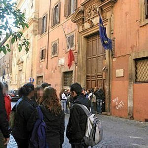 """Pusher arrestato al liceo """"Virgilio"""" di Roma"""