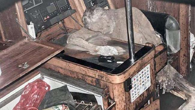 Filippine: Corpo Mummificato in Yacht nel Pacifico