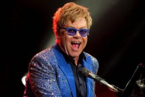 Elton John ha molestato ex guardia del corpo
