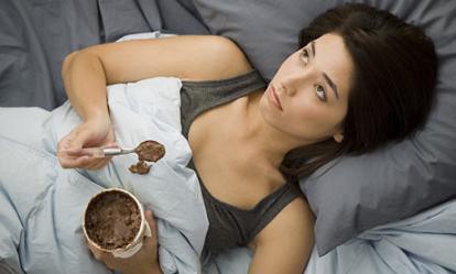 Obesità e Sovrappeso: Rischio Aumenta per chi Dorme Poco
