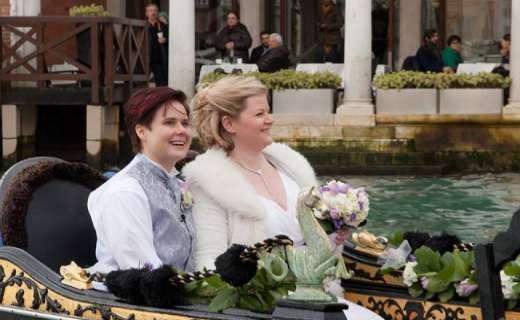 Coppia Gay si Sposa in Gondola