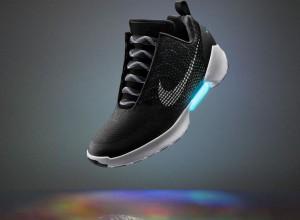 """HyperAdapt 1.0: scarpe Nike modello """"Ritorno al Futuro"""""""