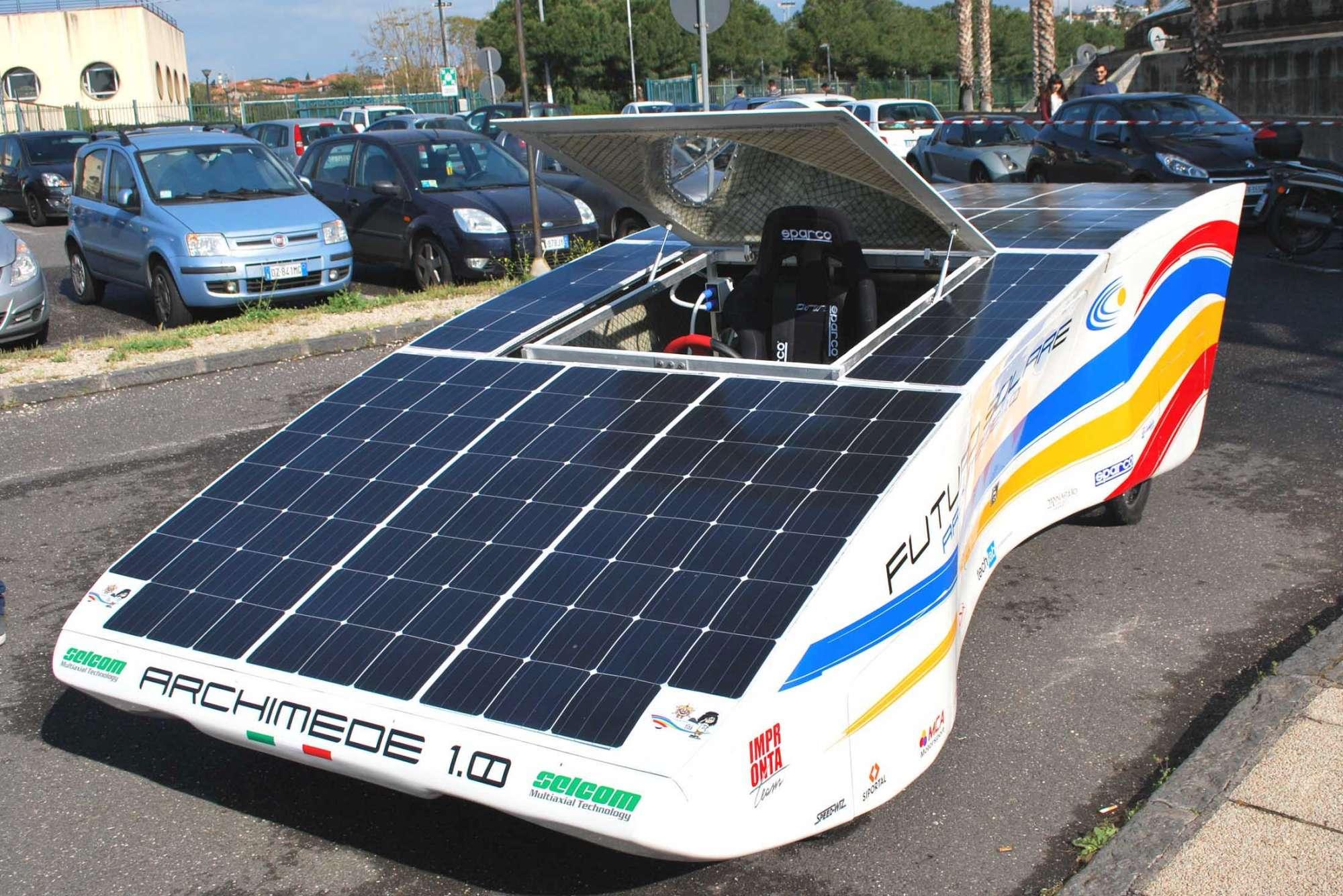 Catania, presentata Archimede solar car 1.0