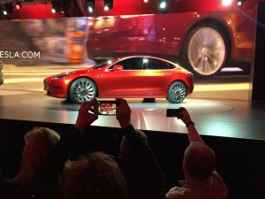 Tesla Model 3 presentata in California