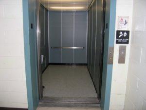 Orvieto, bimbo cade nel vano ascensore