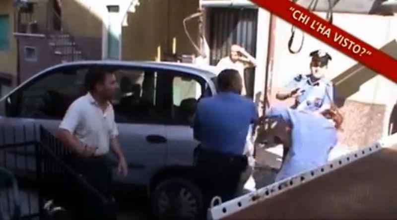 Si oppone a rimozione auto: carabiniere la prende a schiaffi