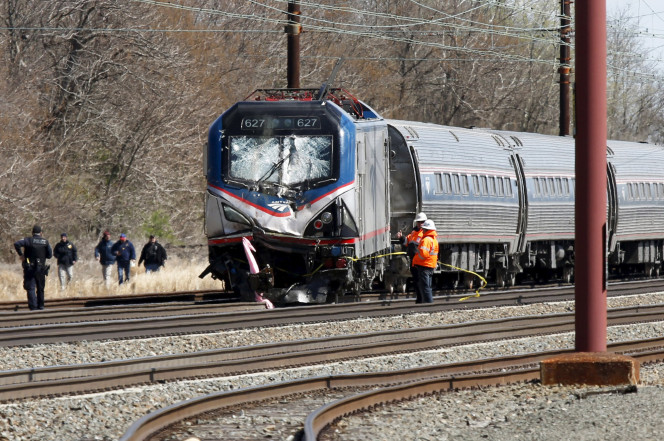 Usa, treno Amtrak deraglia