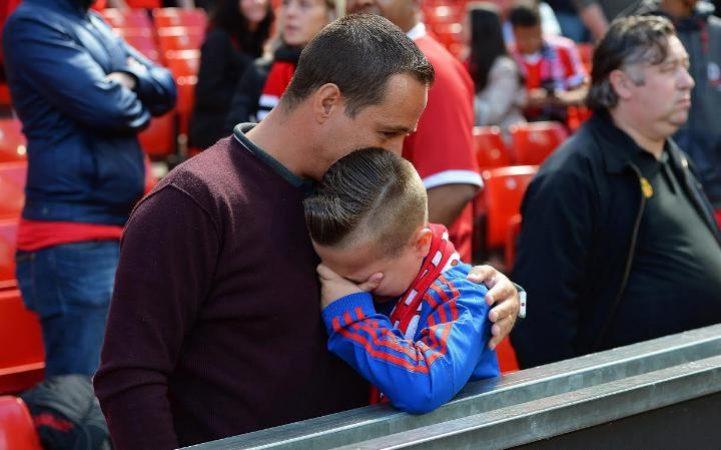 Manchester United, match sospeso per allarme bomba