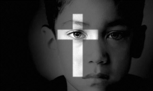 Prete pedofilo arrestato in Kosovo