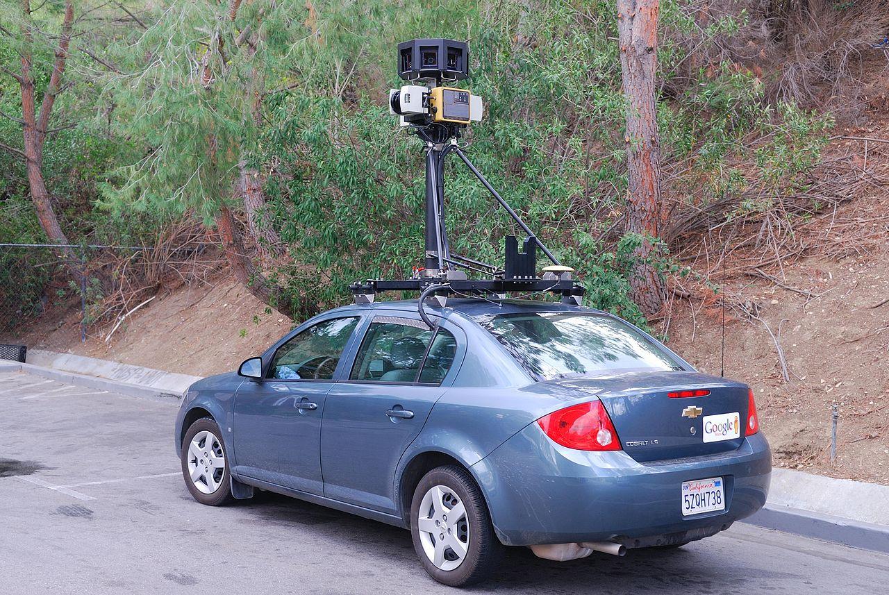 Google Car dotata di avvisatore acustico