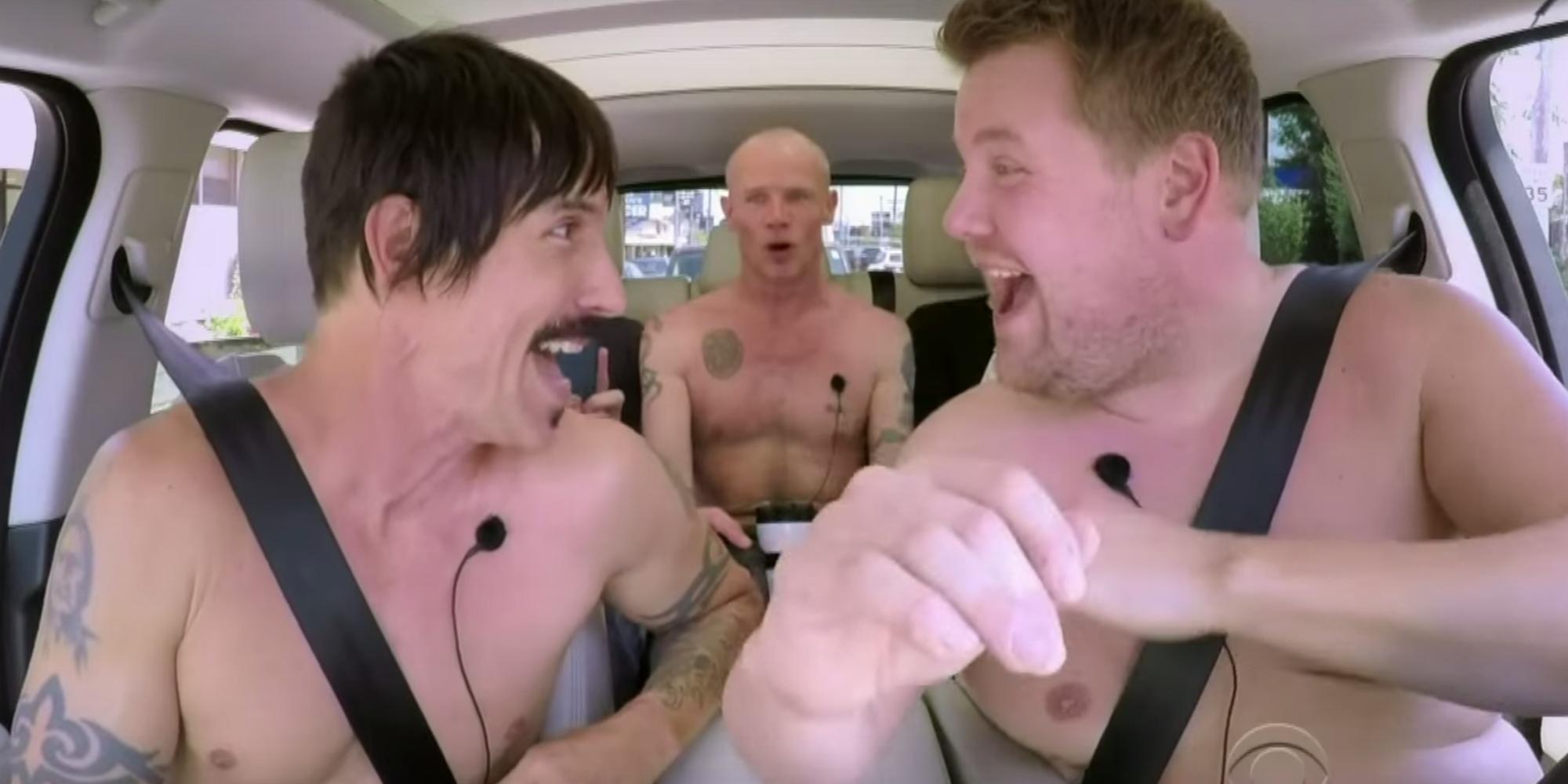 Red Hot Chili Peppers senza veli in macchina con Corden
