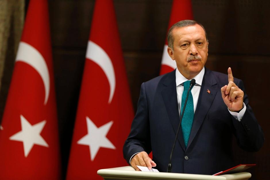 """Erdogan choc: """"Donne devono fare almeno 3 figli"""""""