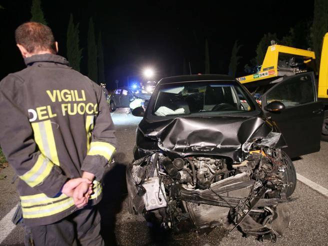 Albanese ubriaco contromano: madre e figlia morte a Sirmione