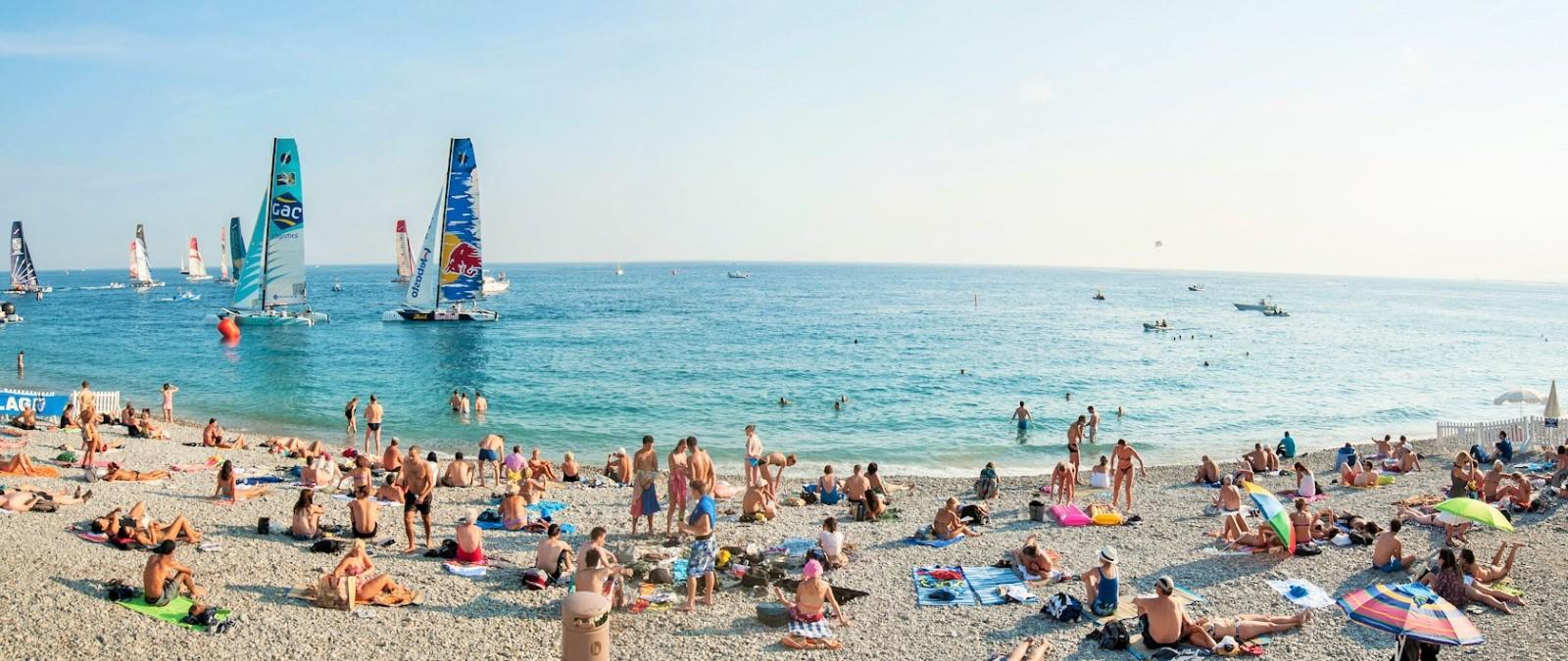Terrorismo, divieto di zaini e borse sulle spiagge di Cannes