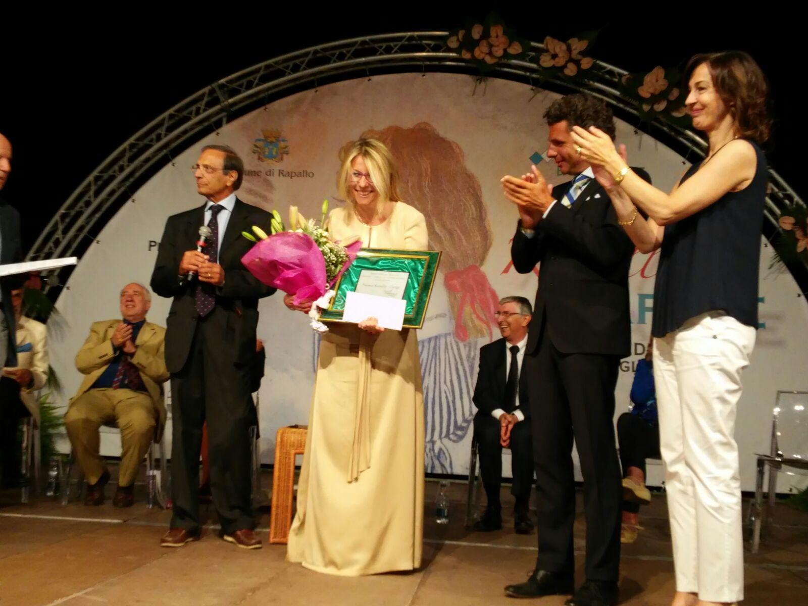 """Premio Rapallo Carige 2016 vinto da Sara Rattaro con """"Donna Scrittrice"""""""