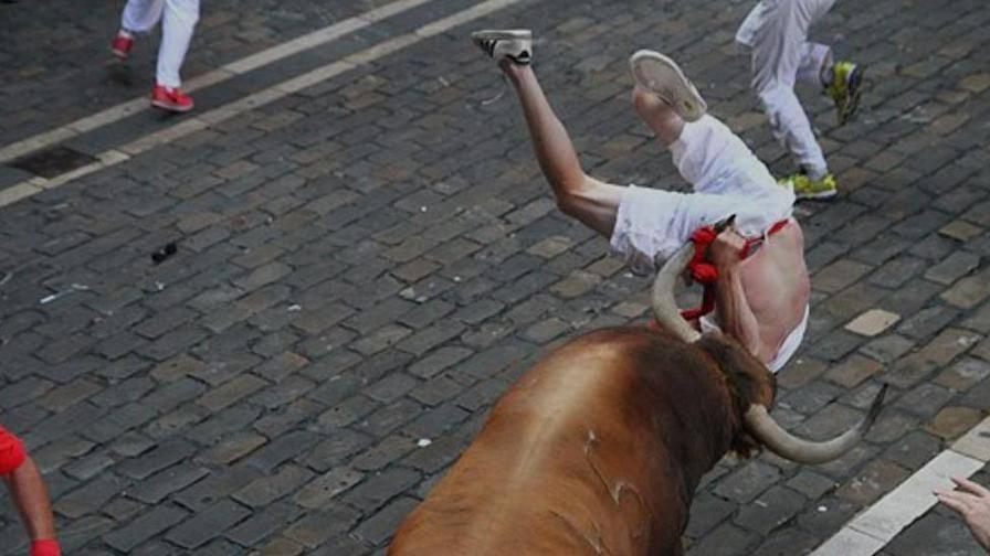 Pamplona, inizia corsa dei tori San Firmino
